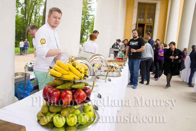 Summer Reception at the Colonnade. Photo by Svetlana Moursy.